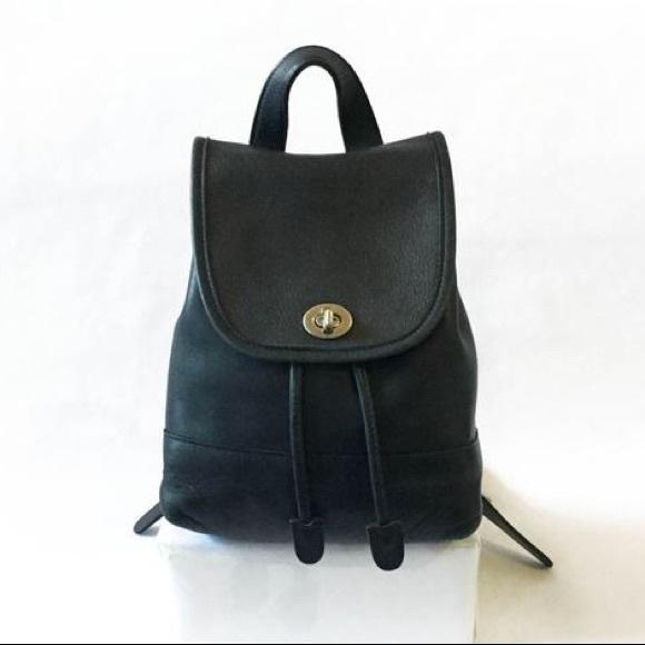 89fd8b039e15 COACH vintage black daypack backpack